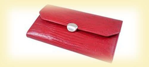 Женский красный кошелек изображение картинка